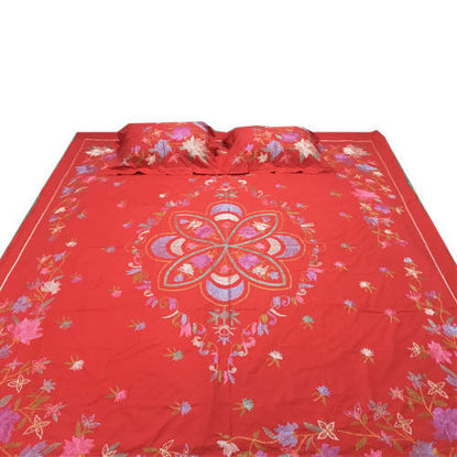 Picture of White Cotton Bed Sheets Red